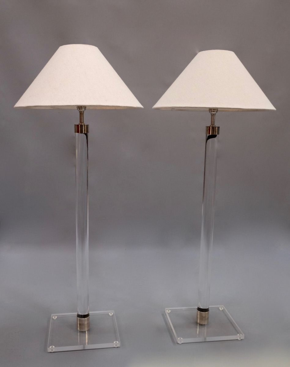 PAIR OF CONTEMPORARY LUCITE TALL TABLE LAMPS