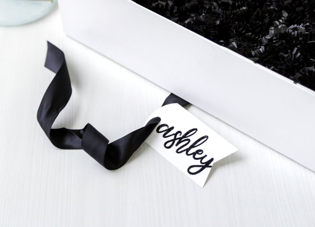 custom calligraphy gift tag - blankbox gift box
