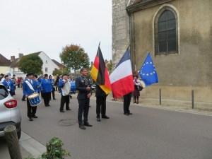 Festzug in Chéroy