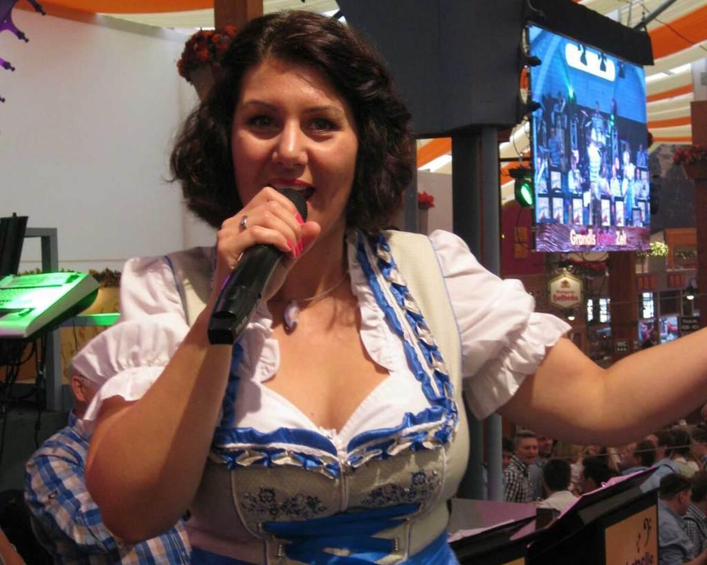 Claudia Erlenbusch