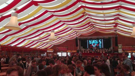 Stuttgarter Frühlingsfest in Grandls Hofbräuzelt (Apr.(Mai 2017)
