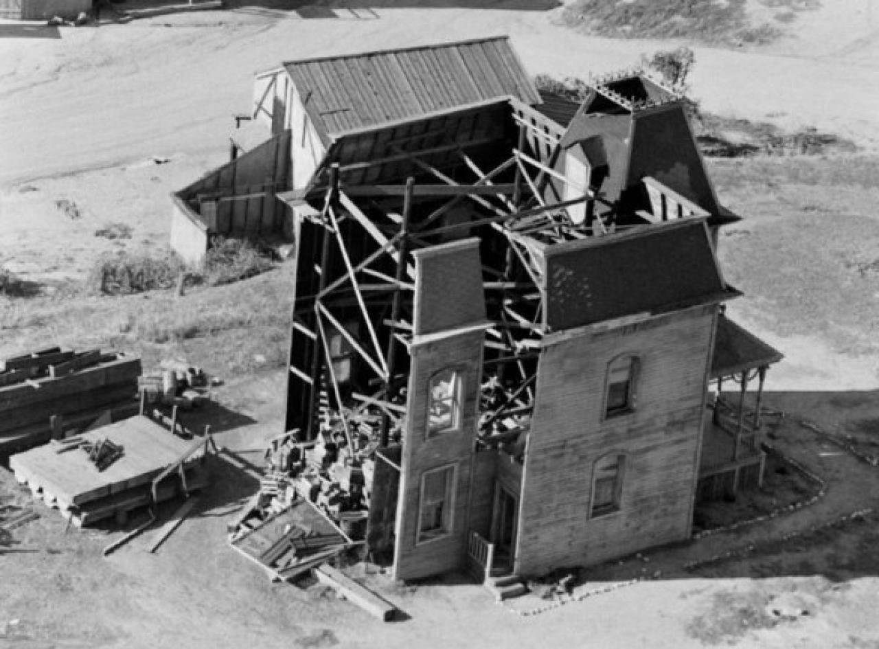 Rare -scenes Pics Reveal 1959 Bates House