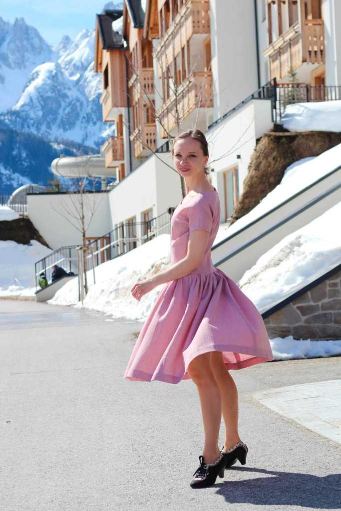 Rosa Vintage Kleid mit weitem Rockteil