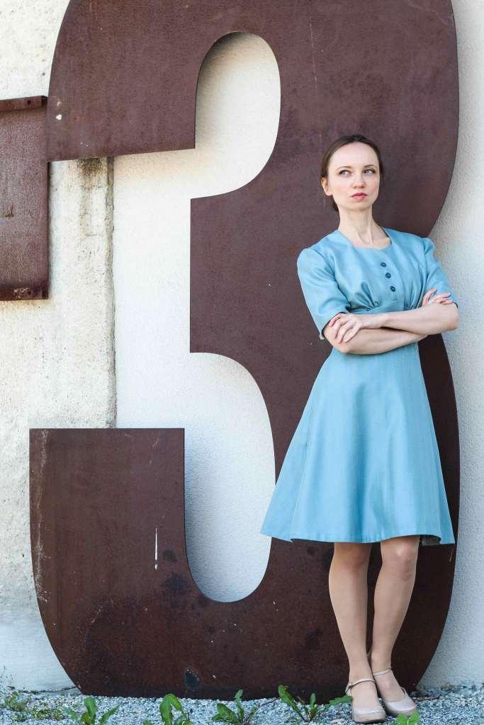 Blaues Kleid Vintage Schnittmuster