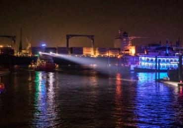 Rotes Seenotsignal über der Elbe gesichtet - Große Suchaktion startet