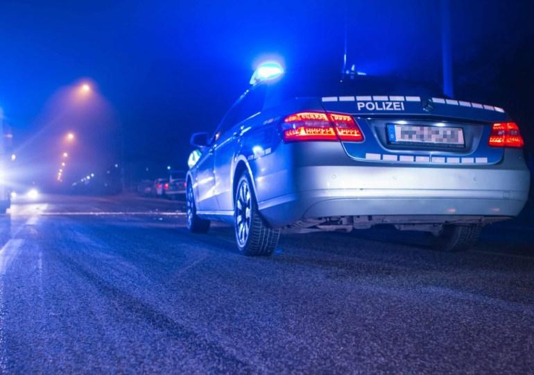 Streifenwagen auf Einsatzfahrt verunfallt! - 3 Polizisten verletzt