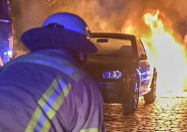 Transporter in Vollbrand - Brandstiftung?