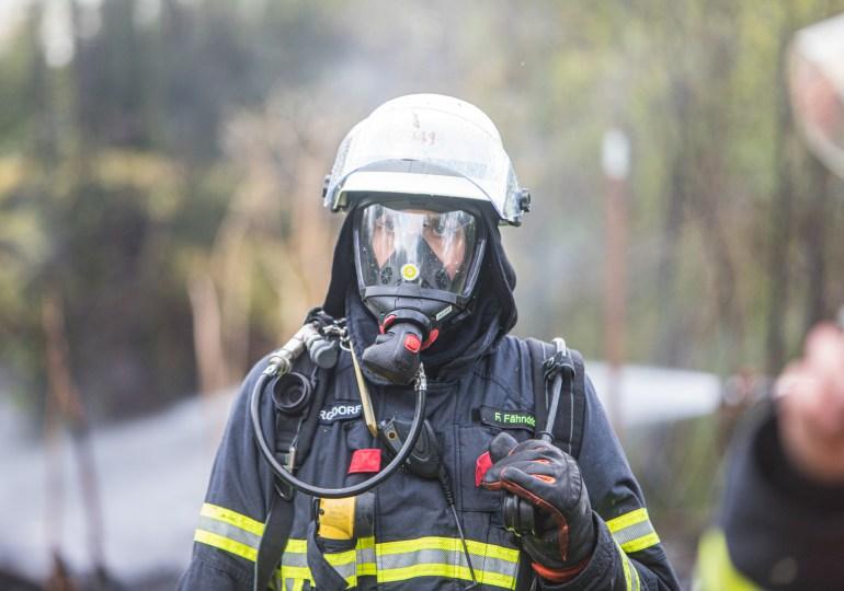 Erneut brennt eine Gartenlaube in Bergedorf - Hat der Feuerteufel erneut zugeschlagen?
