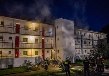 Kellerbrand in Folgewohnunterkunft für Geflüchtete - Großeinsatz für die Feuerwehr
