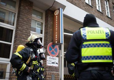 Feuerwehreinsatz im Deutschen Schauspielhaus-Feuer im Aufzugsraum vermutet