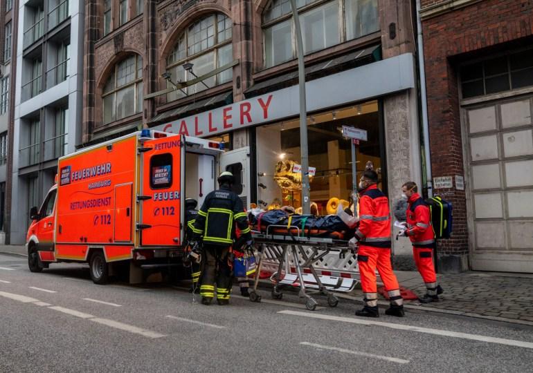 Galleriemitarbeiter schwer verletzt - Arbeitsunfall in exklusiver Steingallerie