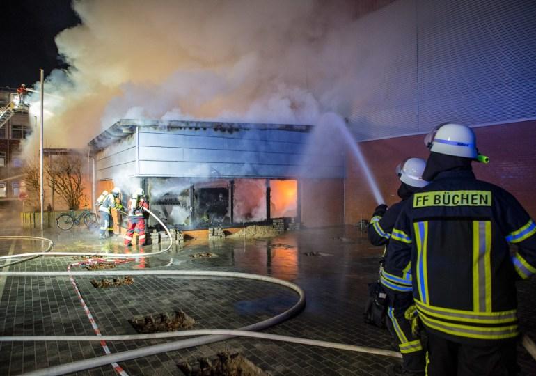 Feuer im Schulzentrum Büchen zerstört Turnhalle