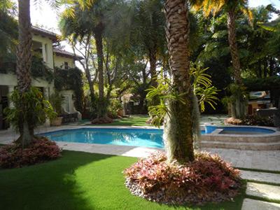 miami landscape designer lawn