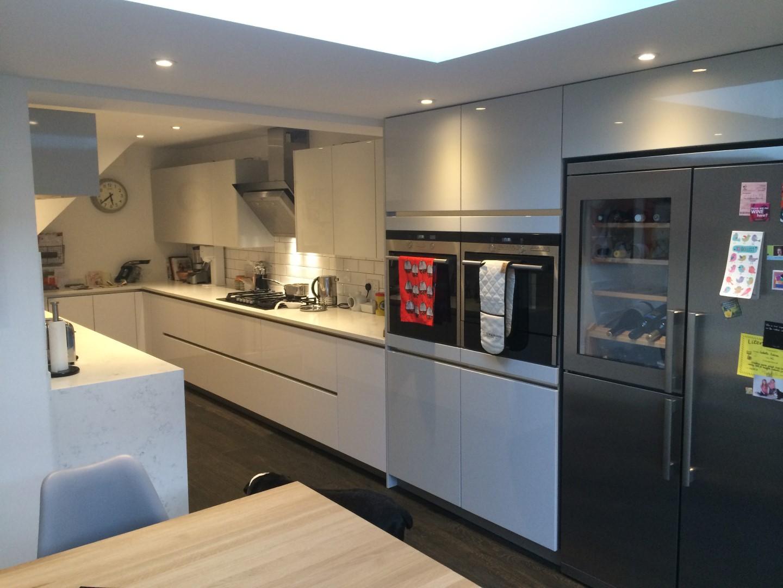 High Gloss Handleless Kitchen in Ware  Blax