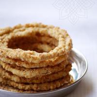 Telangana Sakinalu Recipe Video - How to Make Chakinalu - Traditional Sankranti Recipes