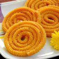 Biyyam Pindi Manugupoolu ~ Rice Flour Chakli Recipe