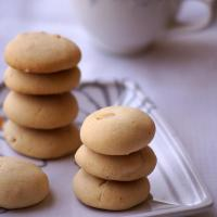 Condensed Milk Cashew Cookies Recipe - Easy Christmas Cookies Recipes