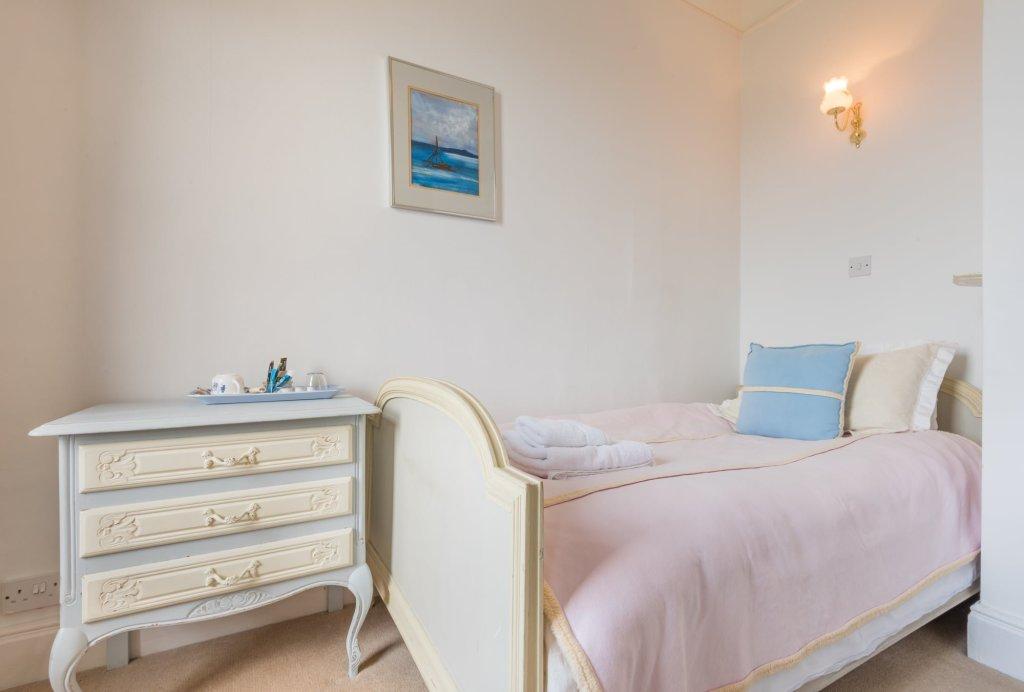 Belle Isle single occupancy room