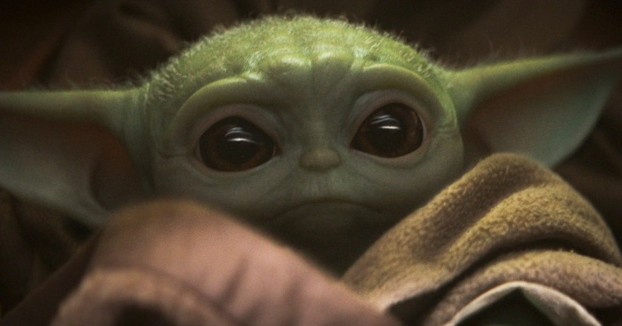 BabyYoda-the-mandalorian-the-child-episode-1