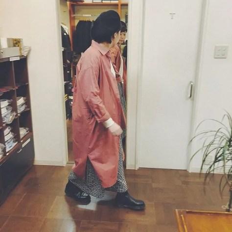 .【chez-voeu】.春らしいピンクのシャツワンピース︎︎春のアウターで着てもワンピース一枚で着ても可愛いです!綿とリネンなのでこれから長く着て頂けます^^.【KELEN】.スカート見えするワイドタックパンツ♡前に2タック入っており裾にむけてワイドになっています!ゆったりシルエットではき心地◎雰囲気たっぷりです︎ギンガムチェック / 千鳥柄..営業時間 10:00〜19:00.#愛媛#松山#BlessofBless#セレクトショップ#chezvoeu#KELEN#シャツワンピース#ワンピース#ワイドパンツ#ギンガムチェック#千鳥#19ss#今日のコーディネート#お洒落さんと繋がりたい - from Instagram