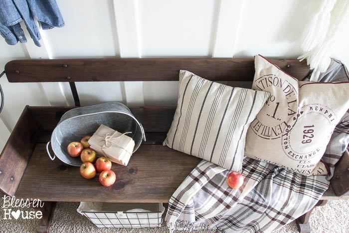 2015 Fall Home Tour: Part One | Bless'er House - Great ideas for decorating for fall on a budget
