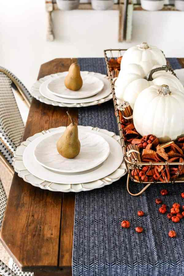 8 Fall Decorating Tips on a Budget + Fall Home Tour 2017 | blesserhouse.com - 8 fall decorating tips for a small budget with ways to shop smart in clearance aisles and thrift stores + a full autumn home tour. Fall tablescape simple place setting