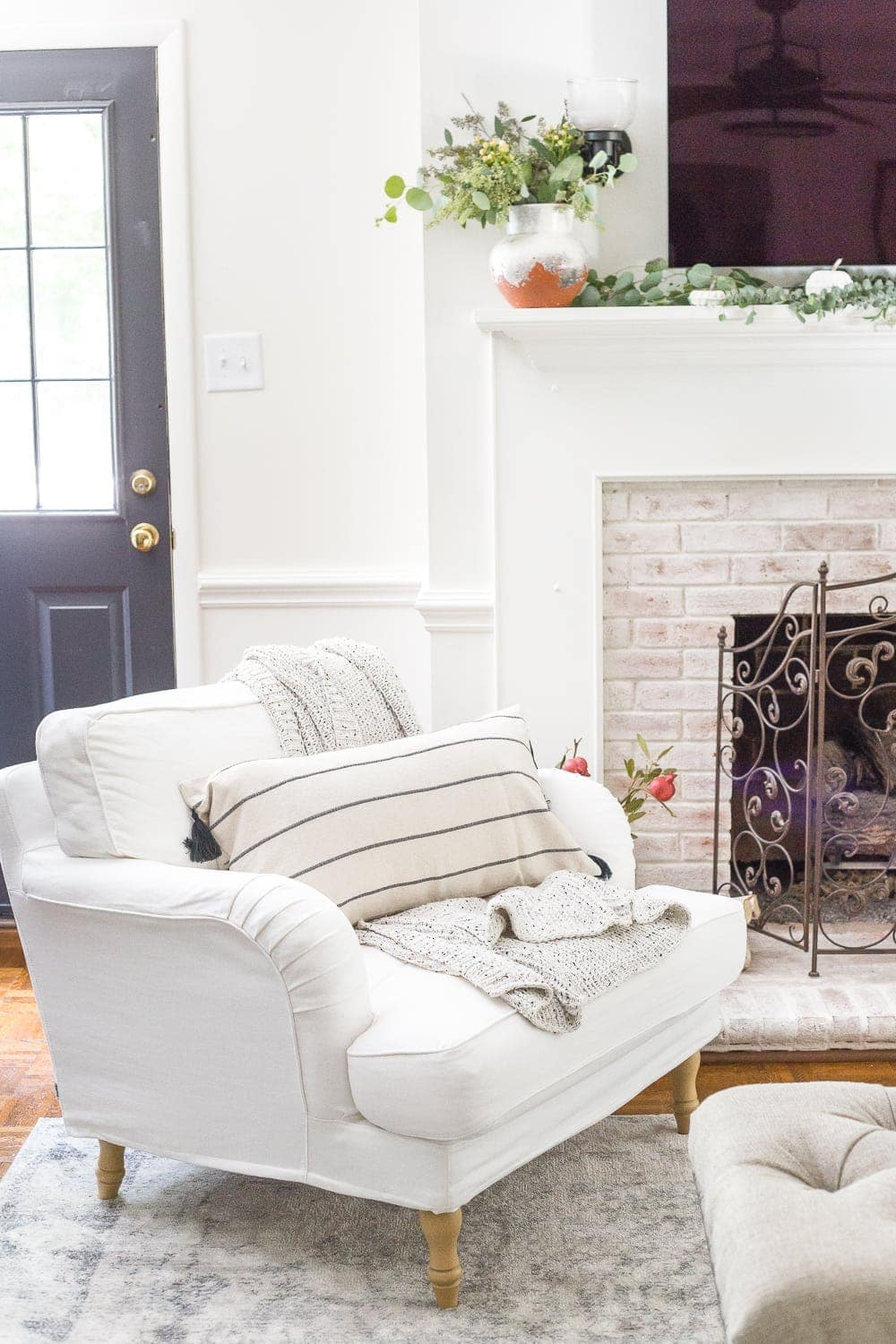 Money-saving decorating tips for adding coziness and texture to a space for fall decor without having to shop for it.