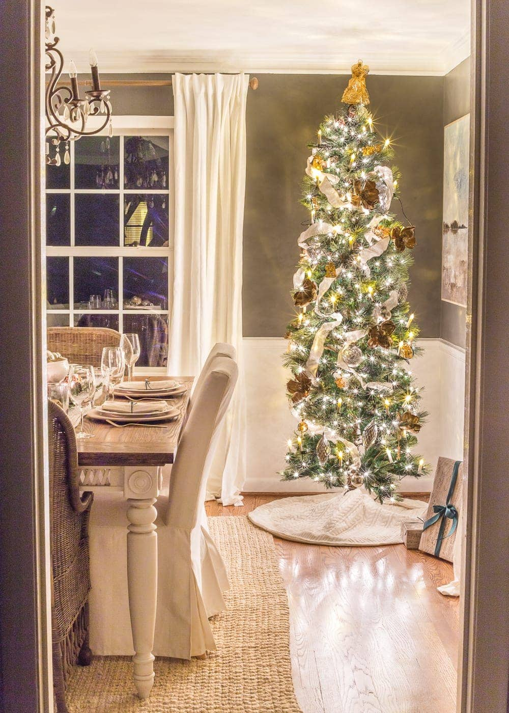 Christmas Candlelight Night Tour | Dining Room