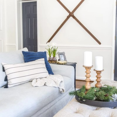 Faux Antique Winter Skis Wall Decor Makeover