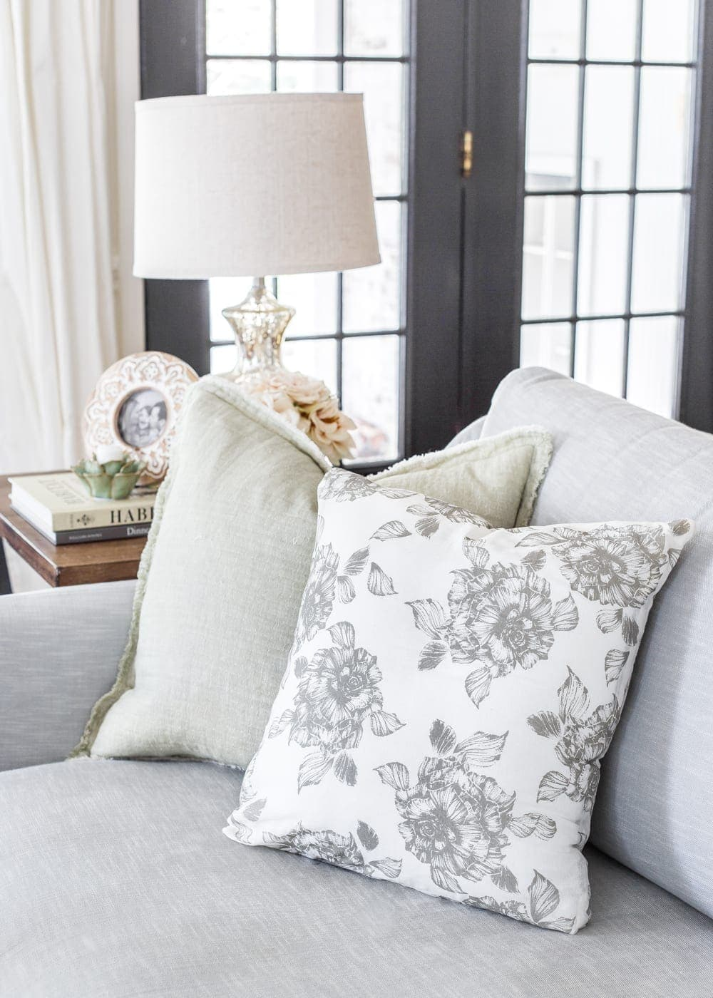 3 items you can repurpose into DIY no-sew throw pillows   How to make a throw pillow from napkins.