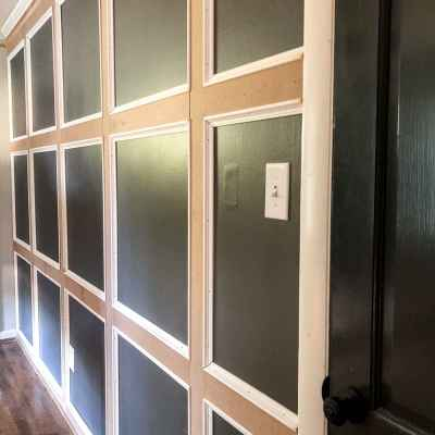 DIY Traditional Grid Molding Focal Wall
