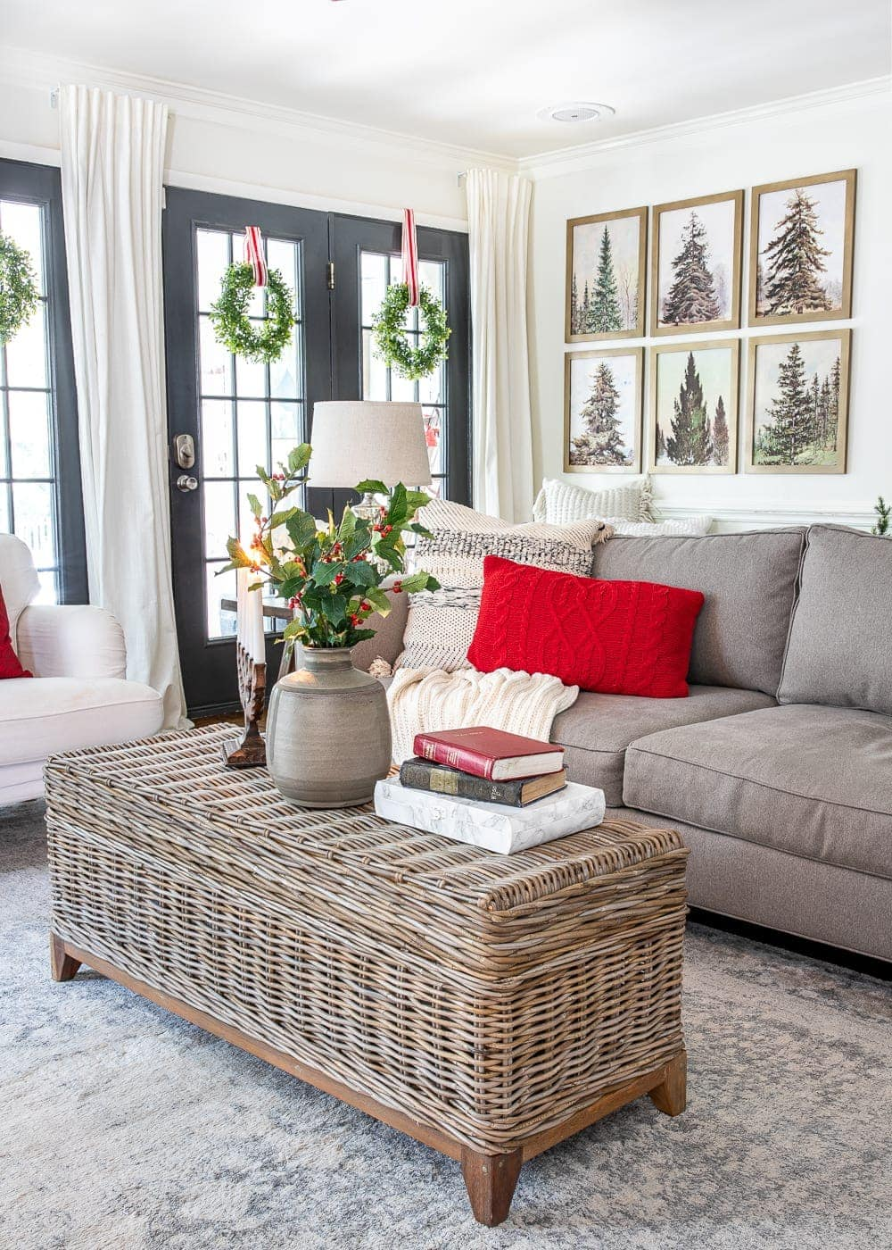 Christmas decor ideas | modern cozy Christmas living room
