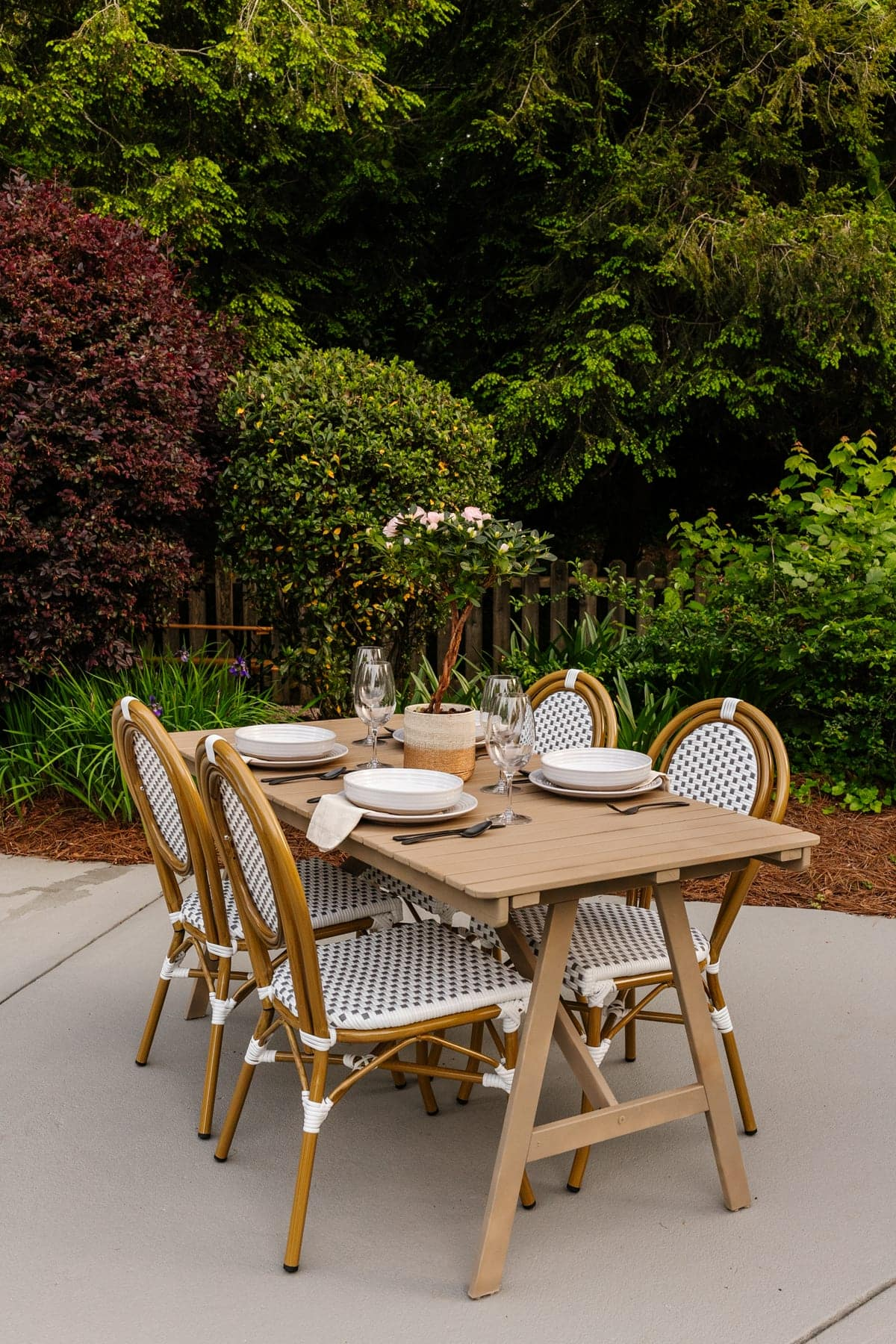 IKEA outdoor dining table makeover