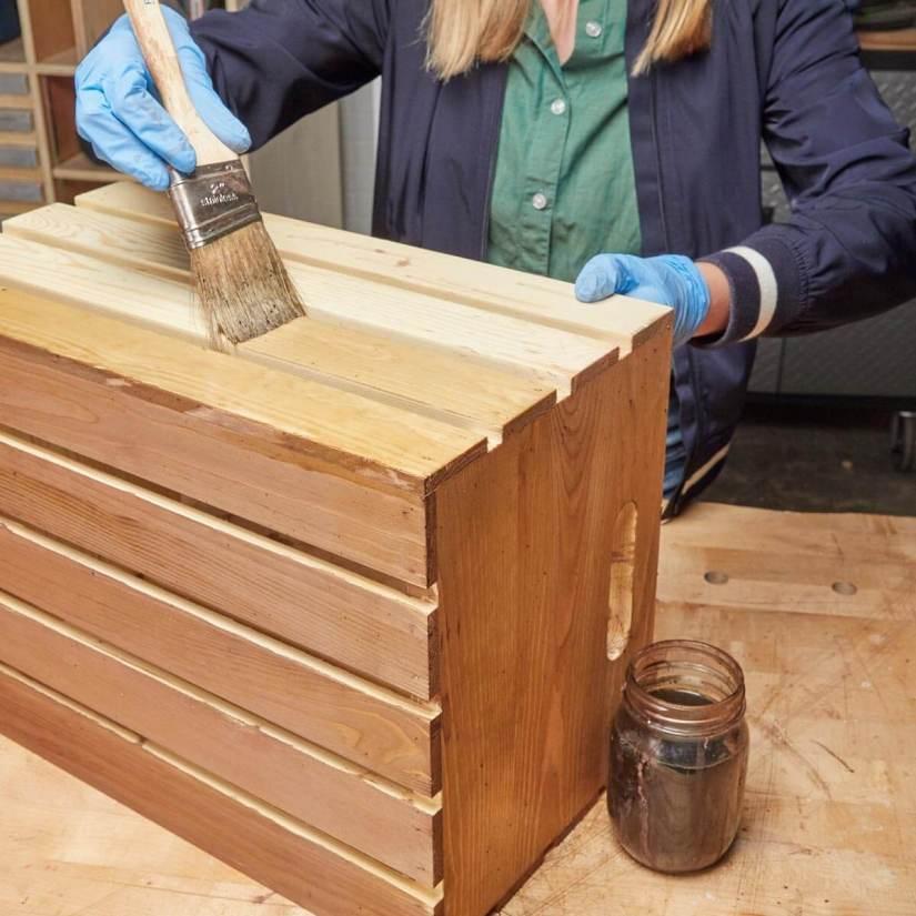 DIY wood stain using vinegar