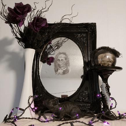 Haunted Mirror Halloween DIY