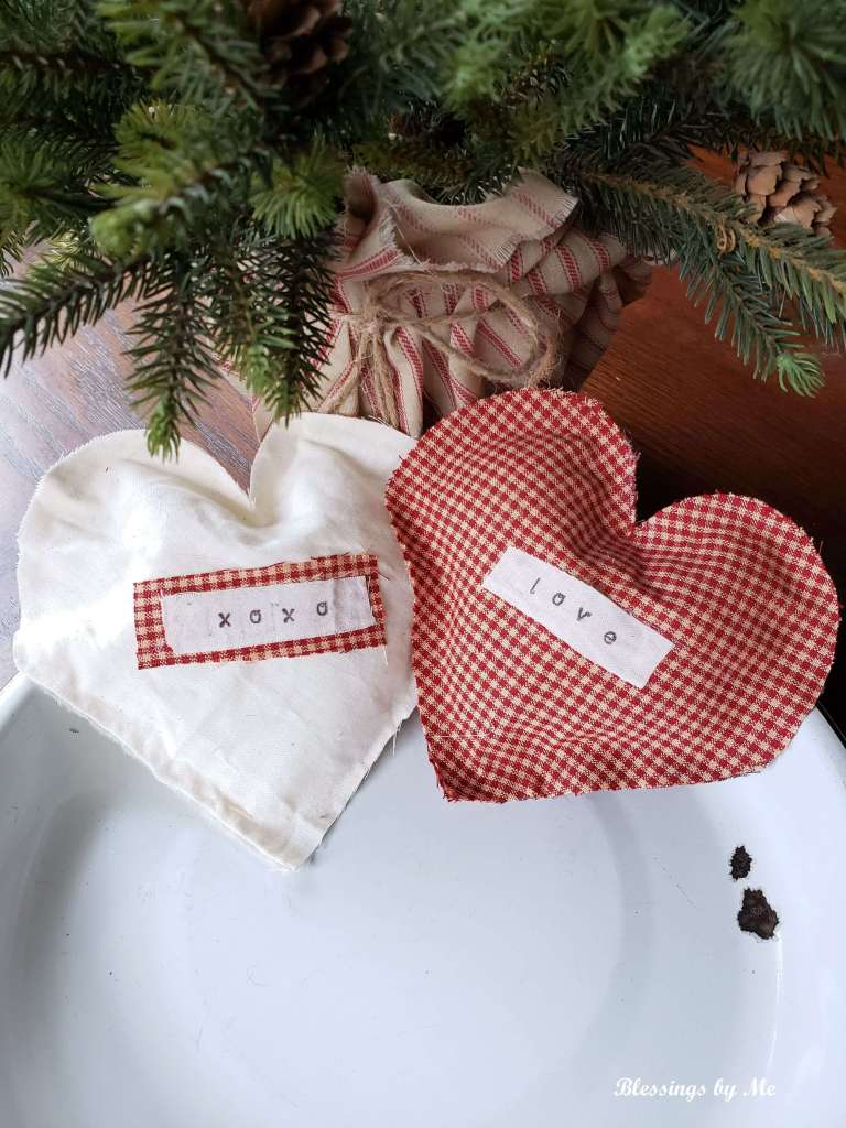no sew fabric hearts for Valentine's Day