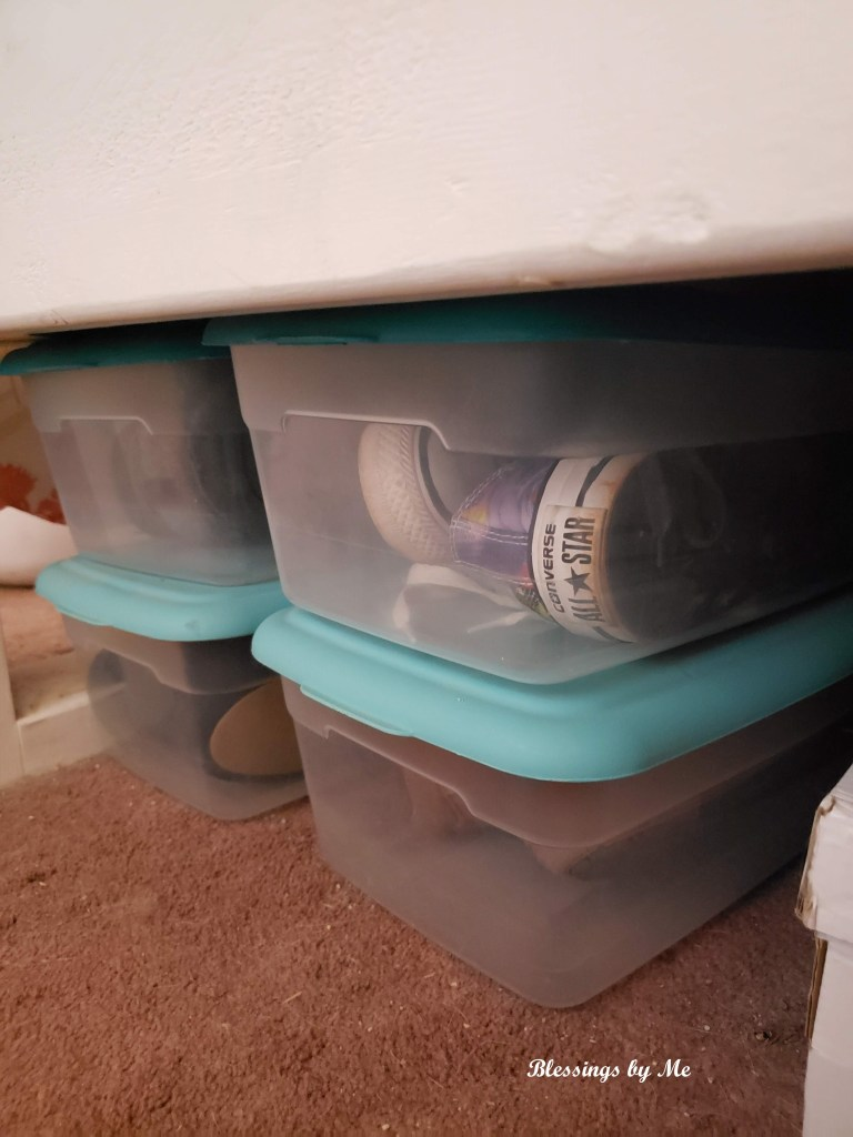 shoe storage under the bed