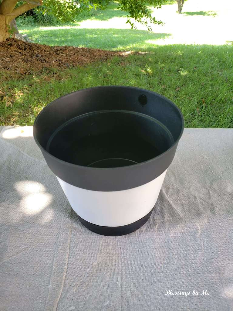paint the inside of the flower pot