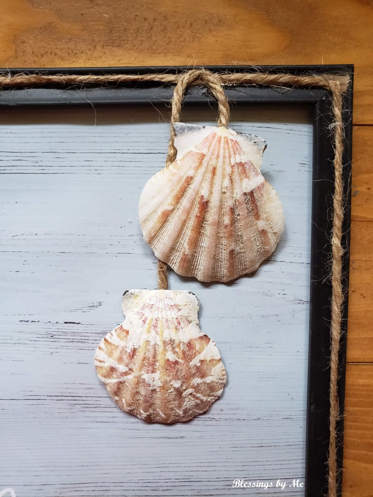 glue the seashells to the end of the jute