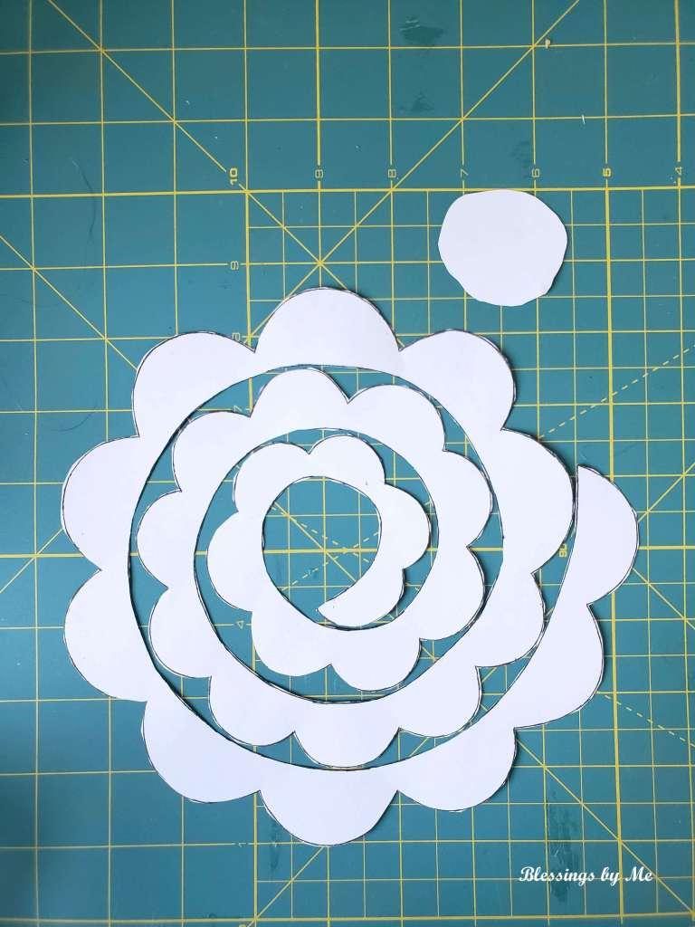 cut the flower pattern