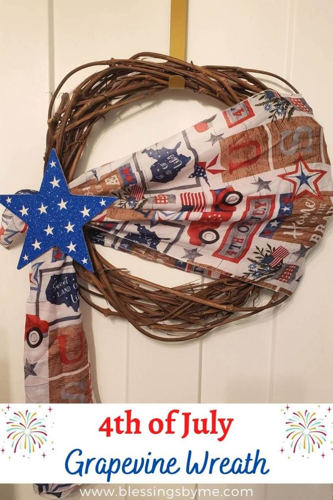 4th of July Grapevine Wreath Pin