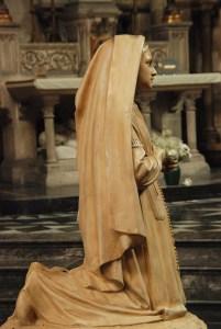 kneeling communion