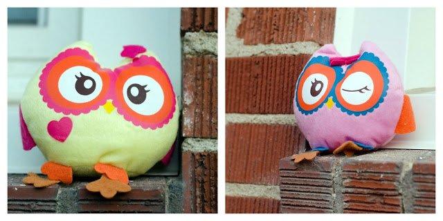 Two stuffed owls