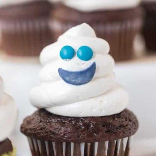 Easy Halloween Ghost Cupcakes