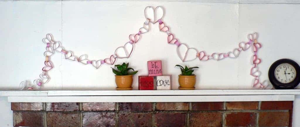 paper heart chain how to, make a chain of hearts, paper hearts in chain, valentine craft for kids