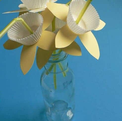 How To: Paper Daffodil Straws