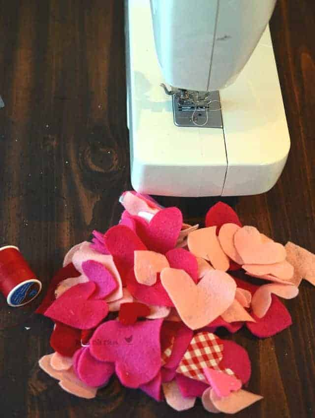 sewubg heart chain, felt heart chain, valentine's garland