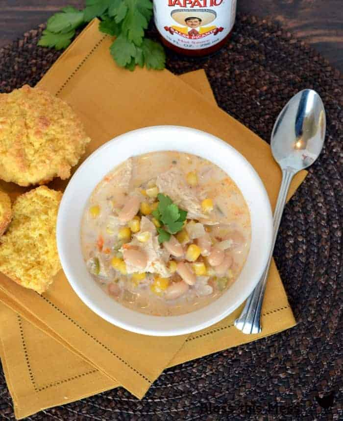 light white chicken chili healthy, soup with chicken breast, bean corn and chicken chili