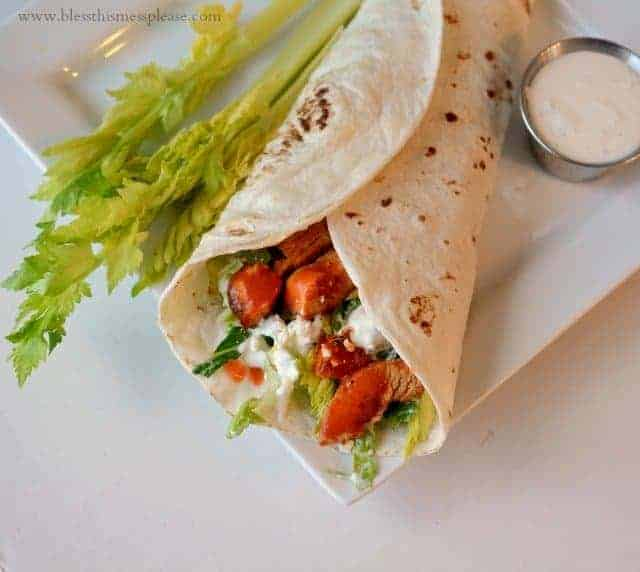buffalo chicken wraps with blue cheese