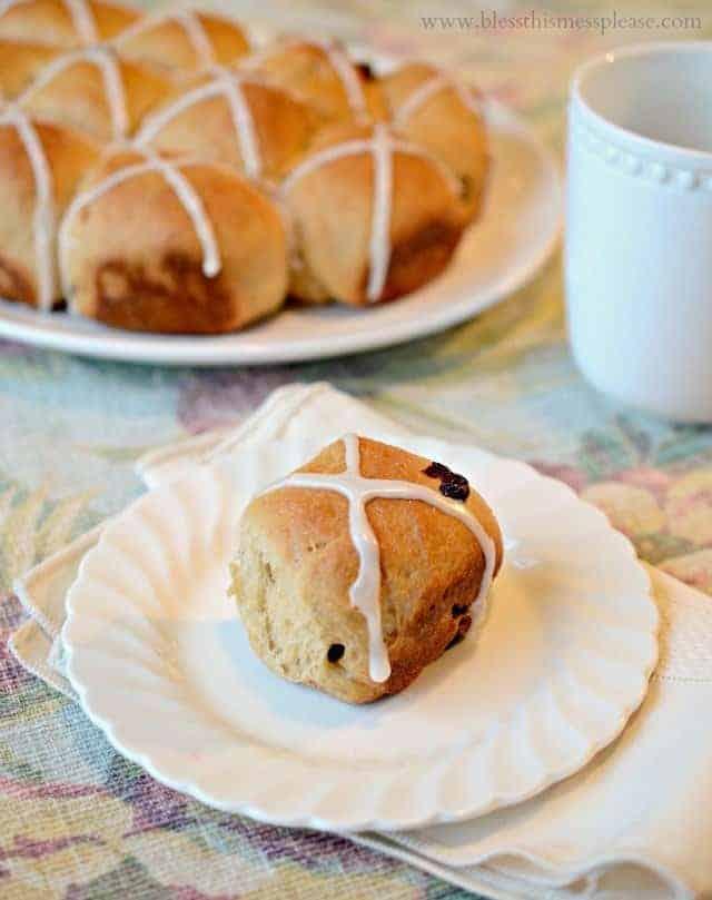hot cross buns, hot cross buns recipe, Whole Wheat Hot Cross Buns recipe, King Arthur Flour recipe, hot cross buns, wheat buns